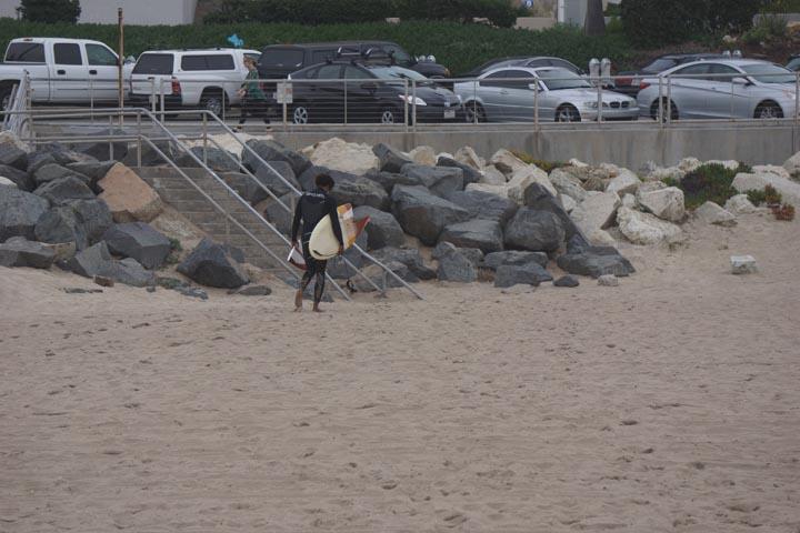 surfer-broken-board-el-porto