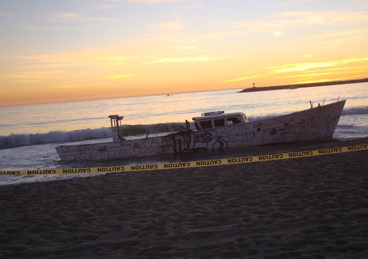 abandoned-playa-boat-sunset