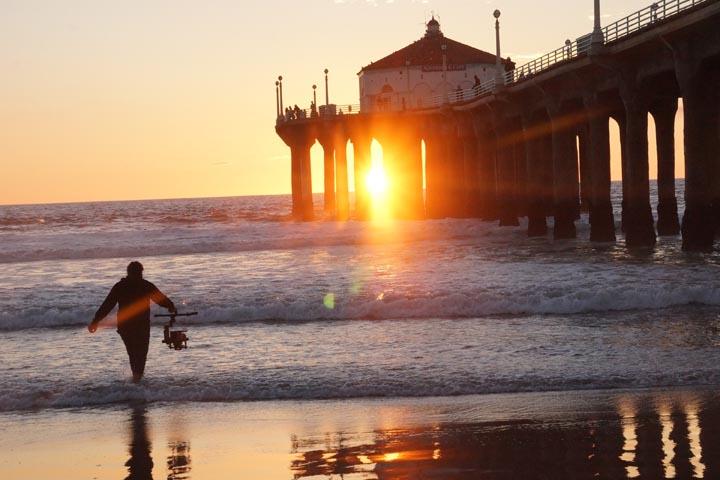 camera-man-mb-sunset-pier