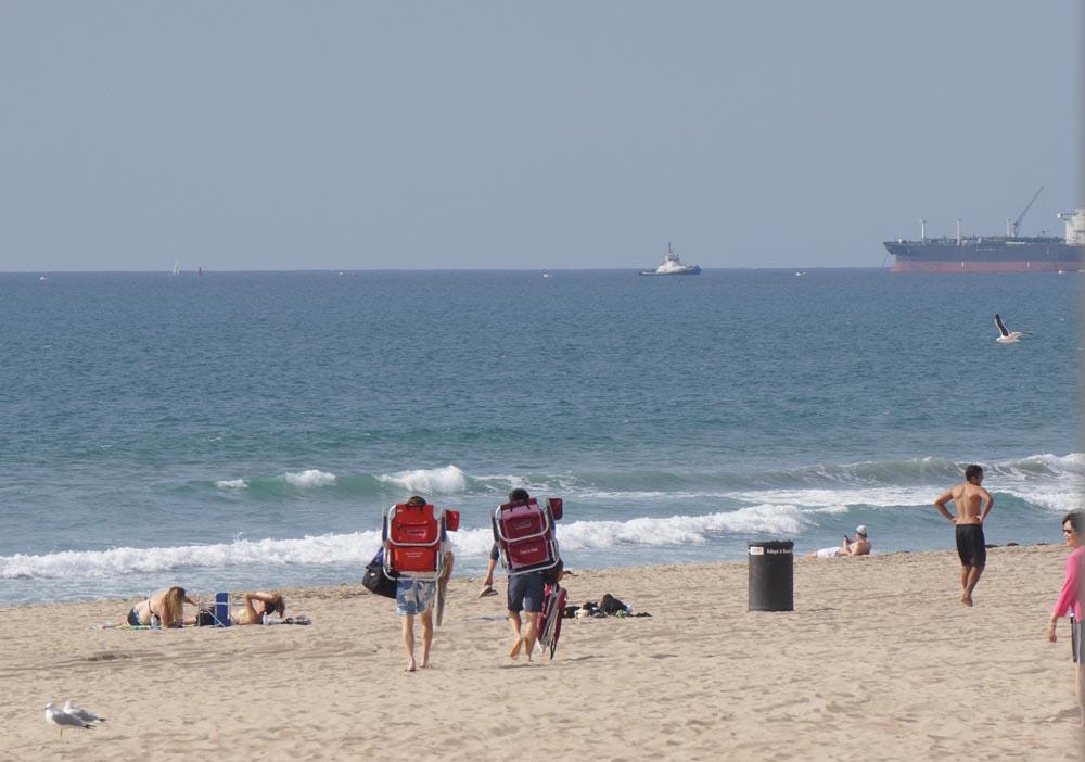 chair-people-manhattan-beach