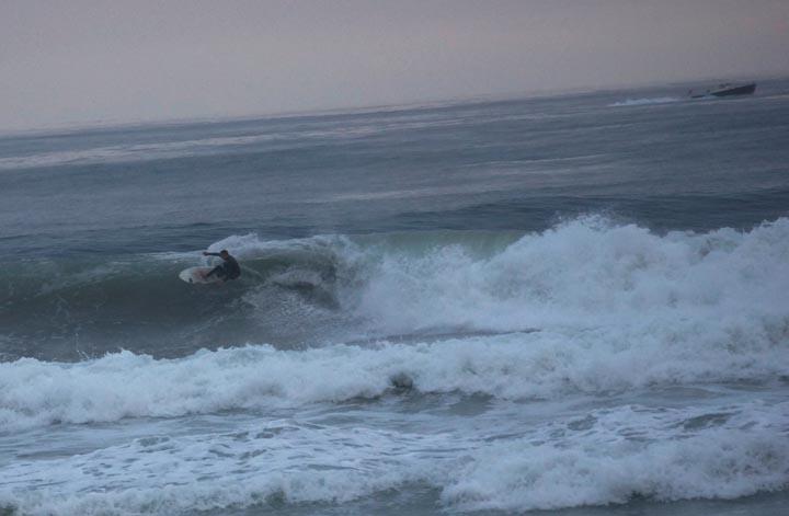 el-porto-surfer-rain-sat-feb