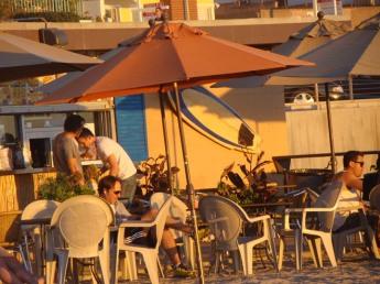 Golden cafe moment