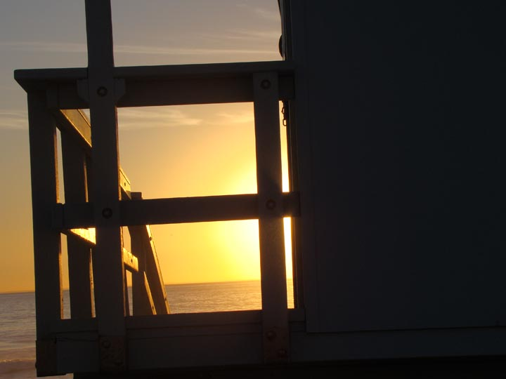 golden-stand-el-porto-feb-sunset