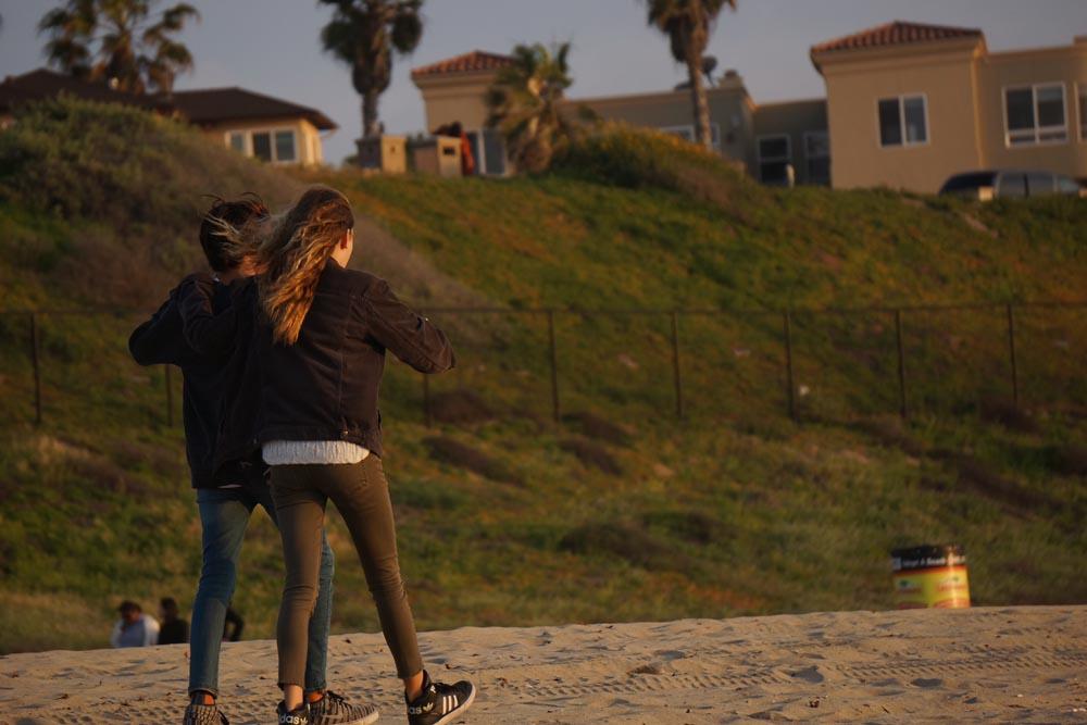 lock-step-beach-redondo
