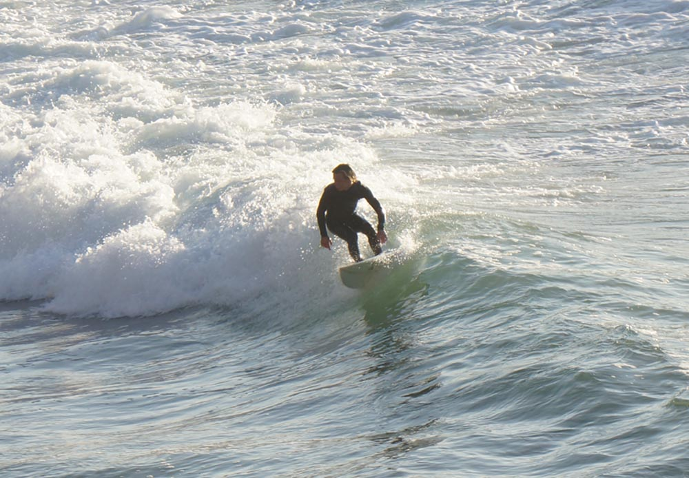 malaga-cove-surfer-feb-turning