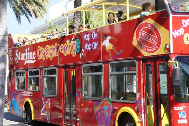 rodeo-drive-red-starline-sightseeing-bus