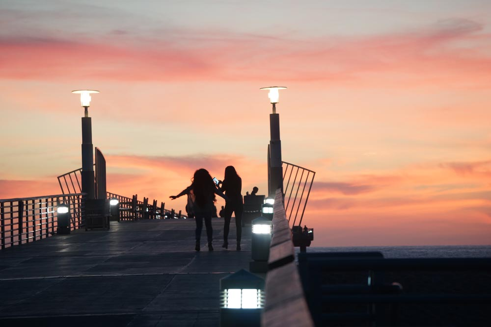 selfies-sunset-hermosa-pier