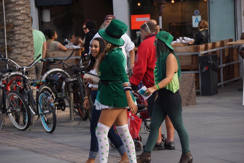 st-pattys-hermosa-green-girls
