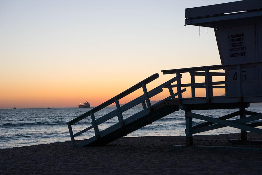 el-porto-lifeguard-stand-sunset