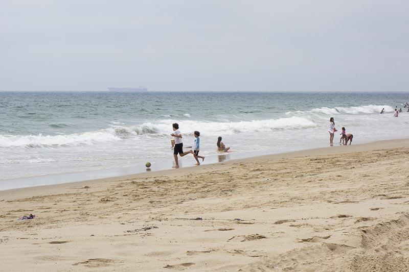 Having a ball at Hermosa Beach | Diane Garrett