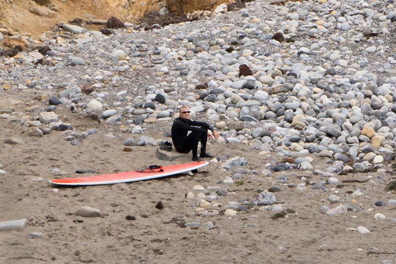 malaga-surfer-rocks-june