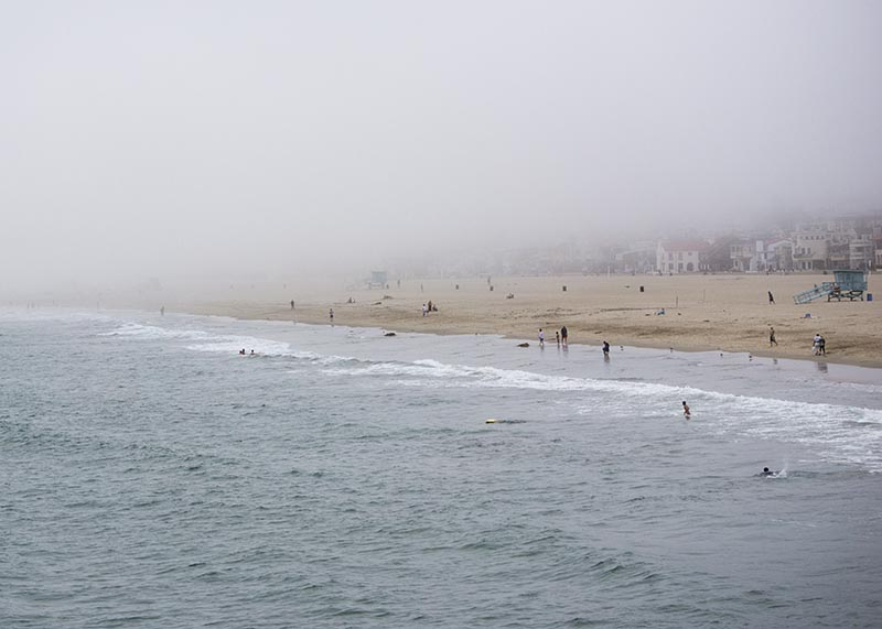 fog-rolling-in-hermosa-pier-view