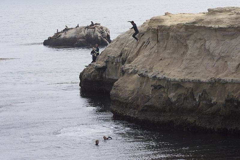 cliff-jumping-santa-cruz-aug