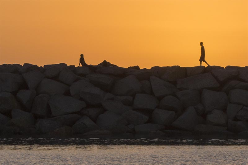 jetty-couple-sunset-rb