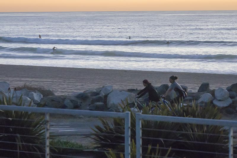 el-porto-twilight-bike-path-surfers-nov