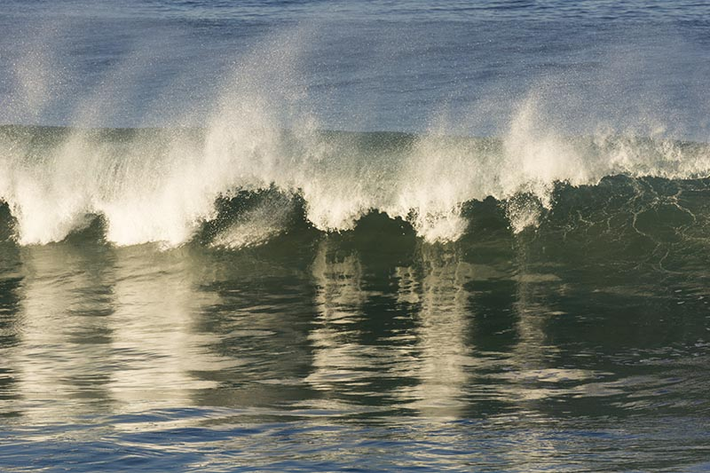 early-morning-wave-break-hermosa-jan