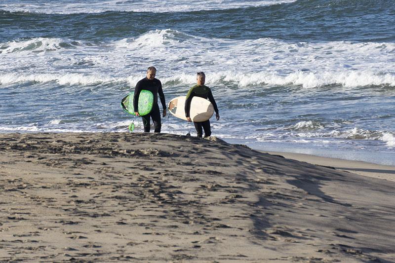 el-porto-surfer-pair-march-morning