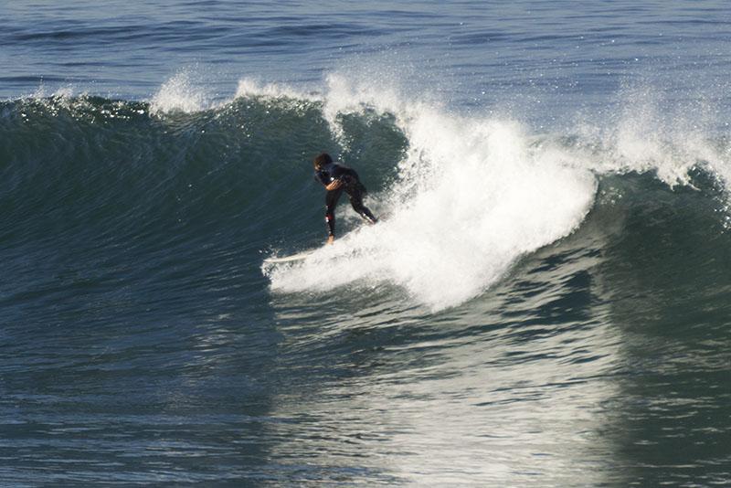 hermosa-surfer-boy-wave-morning-march