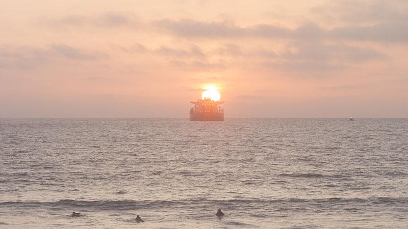 tanker-sunset-glow-march-el-porto