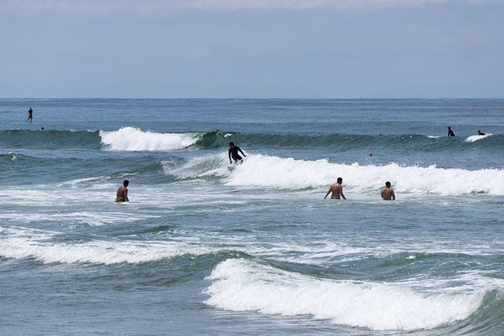 el-porto-sun-may-surf-scene