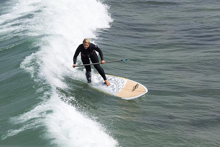 paddle-boarding-by-pier-may-hermosa