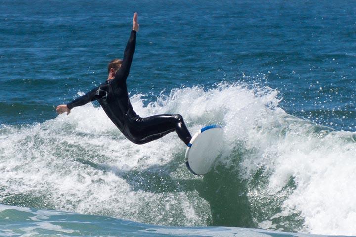el-porto-surfer-shadow-june-sunny