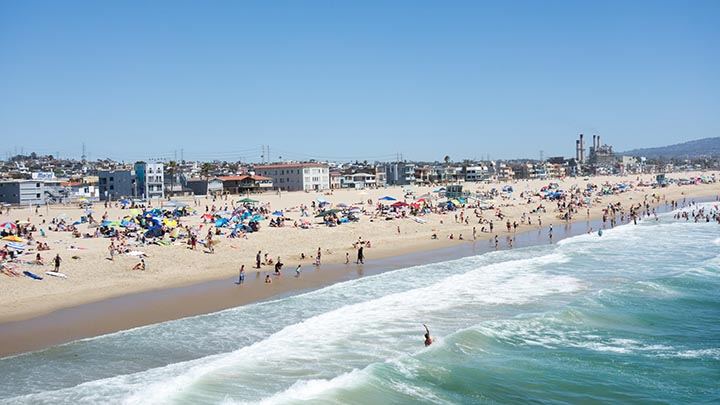 hermosa-pier-view-sunday-crowded-june