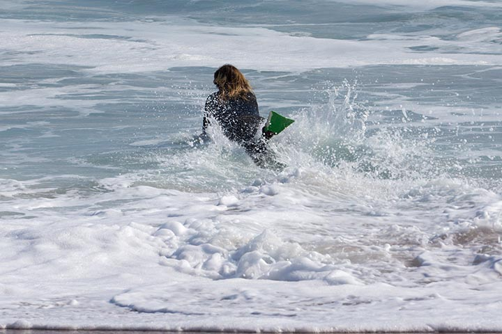 body-boarder-paddling-out-wedge-june
