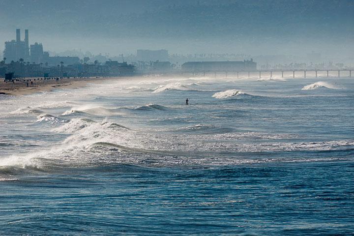 sunny-nov-morning-pier-view