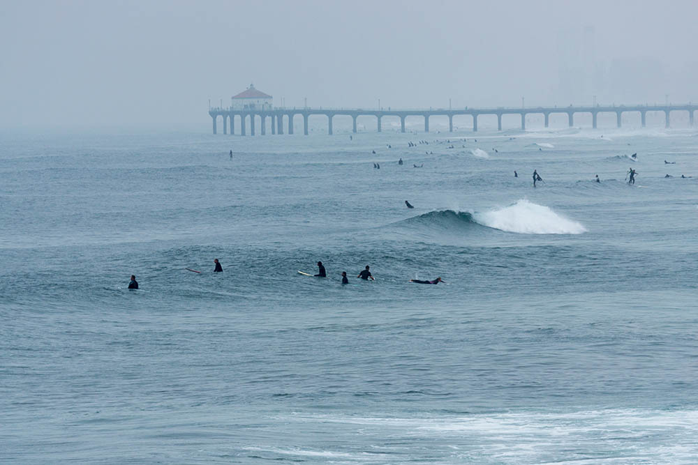 crowded-june-morning-hermosa-looking-north